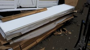 Garage doors insulated and non-insulated for Sale in Tacoma, WA