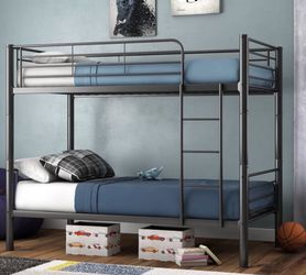 Bunk Bed Twin for Sale in Elyria,  OH