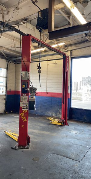 2 post rotary car lift for Sale in Pine Bluff, AR