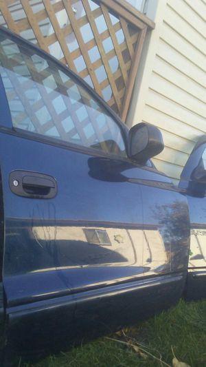 2001 dodge durango doors for Sale in Salt Lake City, UT