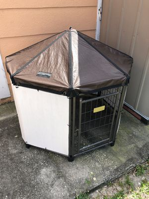 Medium dog house canopy for Sale in Miami, FL