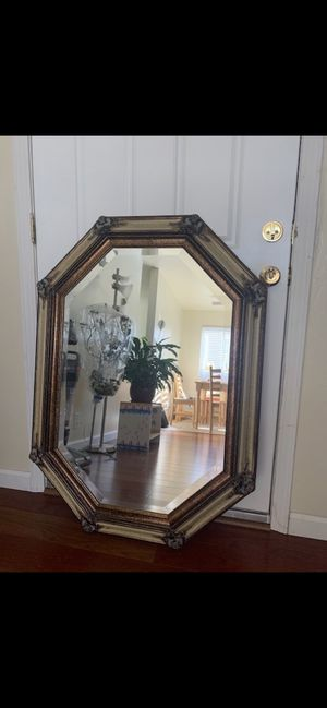 Traditional Frame Wall Mirror for Sale in Colma, CA