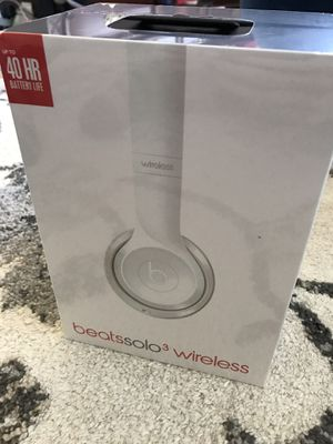 Beats Solo3 white for Sale in Fair Oaks, CA