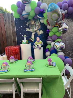 balloon garland by paradise balloons for Sale in Los Angeles, CA