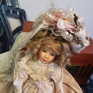 Old doll. Nice. for Sale in East Wenatchee, WA