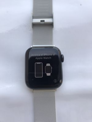 Apple Watch Series 5 Nike+ ( 40mm ) GPS Space Gray Aluminum Case for Sale in Hacienda Heights, CA