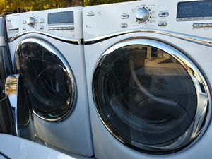 2019 almost like new whirlpools best biggest loads possible washer $180 dryer $180 for Sale in Arlington, TX