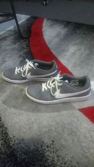 Nike's size 7.5 for Sale in Cleveland, OH