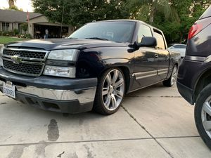 Need your truck lowerd HMU for Sale in Reedley, CA