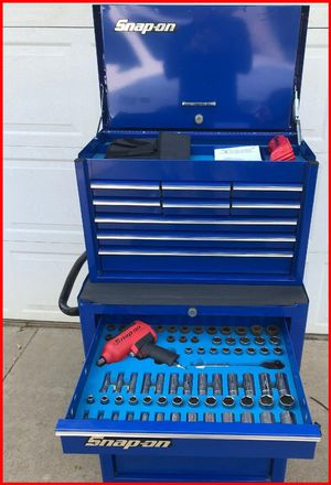 Snap-On TOOL BOX + TOOLS for Sale in Los Angeles, CA