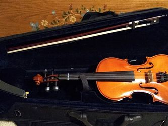 Shar Violin 3/4 Full Outfit Ready To Go! for Sale in Battle Ground,  WA