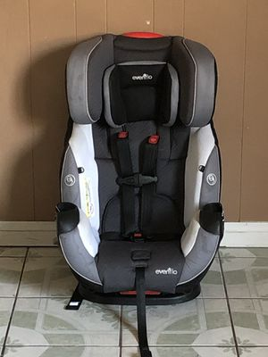 PRACTICALLY NEW EVENFLO SYMPHONY ELITE ALL IN ONE CONVERTIBLE CAR SEAT for Sale in Jurupa Valley, CA