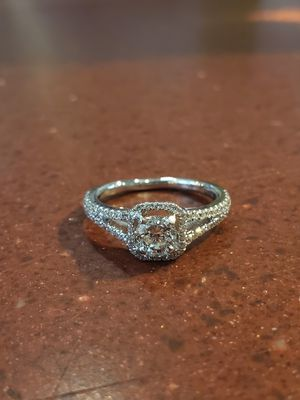 18k Diamond Engagement Ring for Sale in Leominster, MA