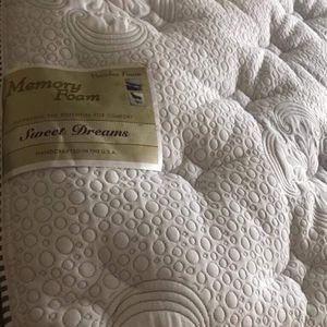 Brand New Sweet Dreams Blue Gel Memory Foam Pillowtop Queen Size Set for Sale in Downey, CA