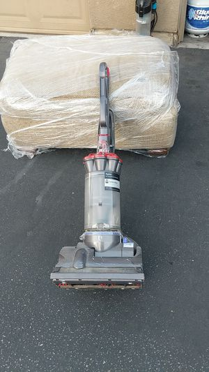 A Dyson Total clean 27 for Sale in Redlands, CA