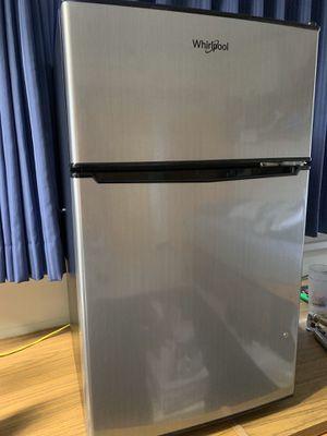 Whirlpool mini fridge and freezer for Sale in Honolulu, HI
