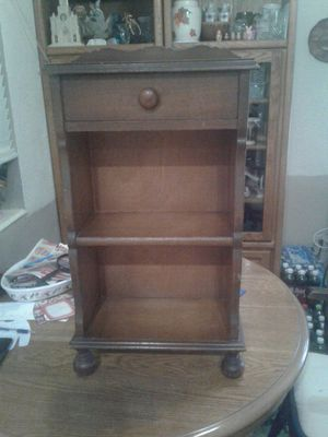 Flint & Horner Bookcase for Sale in Pompano Beach, FL