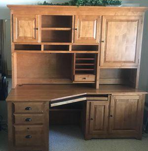 Beautiful Wood Desk for Sale in Pleasanton, CA