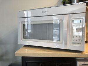 Whirlpool Microwave with Vent for Sale in Hacienda Heights, CA