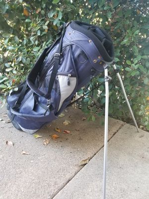 Simple, light, stand golf bag with backpack straps in great condition for Sale in La Mesa, CA