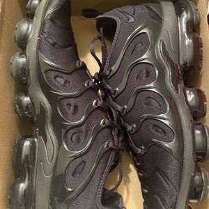 Nike Air Vapor max plus still like new Size 10.5 for Sale in Forestville, MD