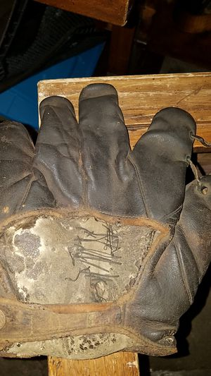 1915 Rawlings Baseball Glove for Sale in Parma, OH
