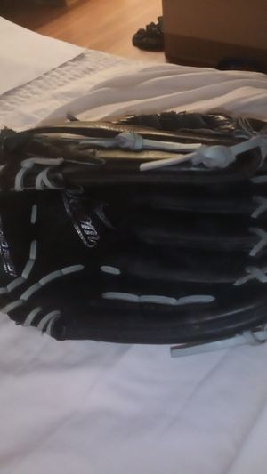 Nike 12.00 softball glove for Sale in Bellevue, WA