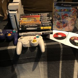 Nintendo Game cube Compatible Nintendo Wii With Games READ DETAILS for Sale in SeaTac, WA