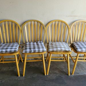 Light Wood Chair Set for Sale in Aurora, CO
