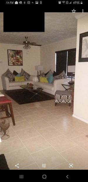 $400 OBO- NEED GONE ASAP!!!... PRICE IS NEGOTIABLE!!! Sofia Vangara white & black 4 pcs for Sale in St. Petersburg, FL
