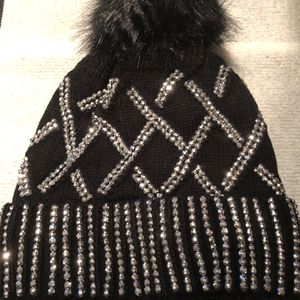 Bling beanie With Faux Fur Inside for Sale in Township of Cottrellville, MI