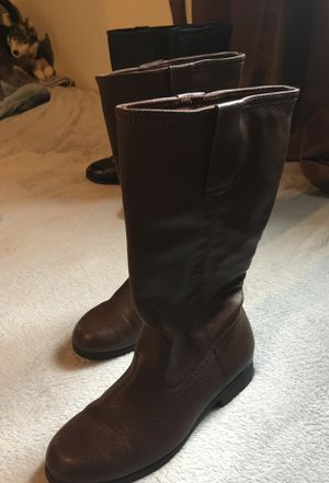 Girls brown boots size 3 for Sale in Visalia, CA