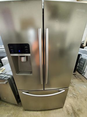 Samsung stainless steel refrigerator for Sale in South Norfolk, VA