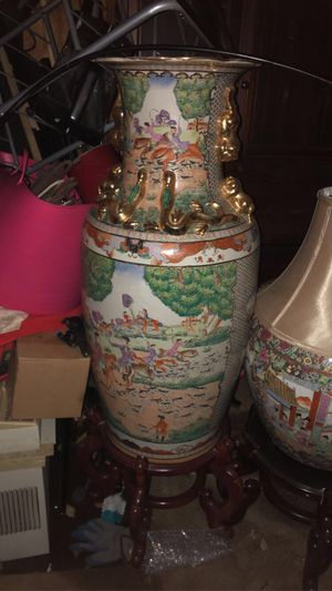 Vantage Vase for Sale in Woodbury, NJ