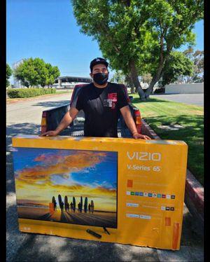 """65"""" Vizio Smart 4K UHD Led HDR tv 2160p for Sale in Corona, CA"""
