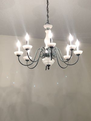 8 light chandelier vintage style for Sale in Pembroke Pines, FL