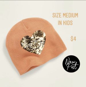 Toddler girl heart ❤️ beanie for Sale in South Gate, CA