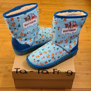 Snow Boots Size 4y For Kids. for Sale in Lynwood, CA