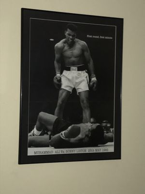 Professionally framed 29 X 39 Muhammad Ali vs Sonny Liston for Sale in Cary, NC