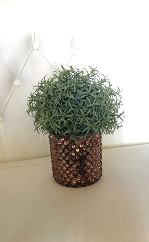 Small Fake Plant w/ Gold Metallic Pot for Sale in Los Angeles, CA