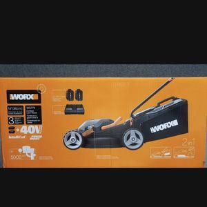 "WORX WG779 40V Power Share 4.0 Ah 14"" Lawn Mower w/ Mulching & Intellicut (2x20V Batteries)a for Sale in Las Vegas, NV"