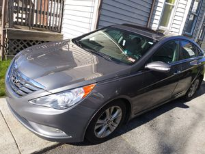 Hyundai sonata limited 2011 looking to trade for honda pilot 09 for Sale in Worcester, MA