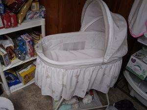 Delta baby bassinet for Sale in Colorado Springs, CO