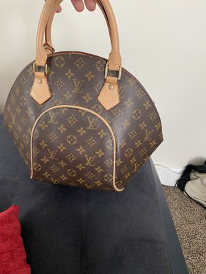 Louis Vuitton bag authentic for Sale in Cumberland, RI