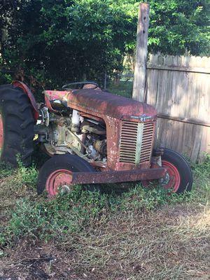 Early 1900s Massey Ferguson Farm tractor for Sale in Chuluota, FL