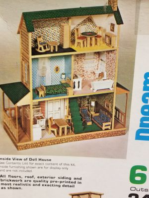 Country manor doll house for Sale in Modesto, CA
