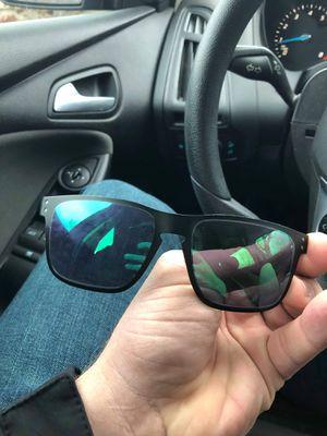 9467e95e20 Oakley Men s sunglasses (metal) for Sale in Franklin