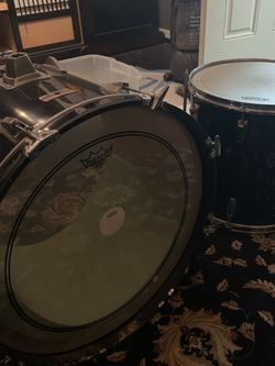 """Yamaha 22"""" Kick drum/Floor Tom/Mystery Box for Sale in Des Moines,  WA"""