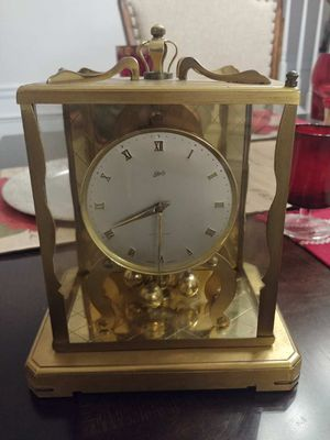 Old antique clock for Sale in Jersey, GA