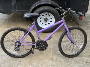 Magna 18 inch 15 speed mountain bikes for Sale in Bonney Lake, WA